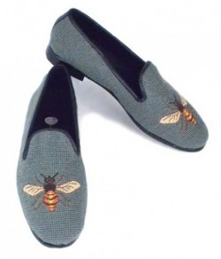 XW033 Bee on sage Needlepoint Loafer